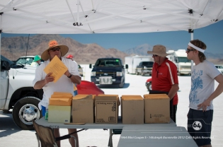 Sorting out the paperwork. L-R: Bonneville official, Garry Orton, Nelson Hartley.